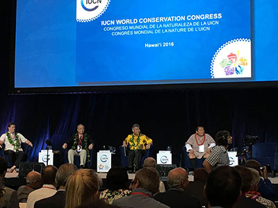David Ige, Governor of Hawai'i and IUCN officials at the WCC